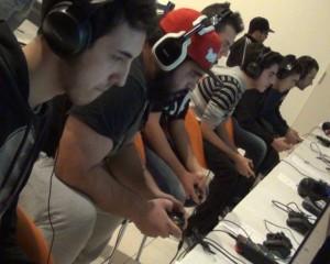 Una foto scattata durante la prima LAN organizzata dall'Opengames.
