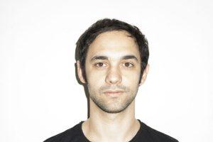 Cosmo, ovvero Marco Jacopo Bianchi, sarà il protagonista del set finale di SIM 2016, sabato dopo i Plasma Expander.