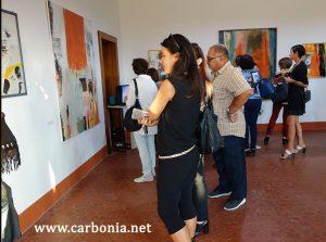 """Visitatori alla mostra di Angelo Liberati """"Fotogrammi Dipinti"""""""