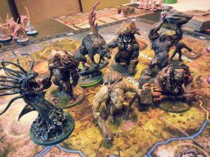 Un primo piano delle miniature di Blood Rage, gioco basato sulla mitologia nordica.