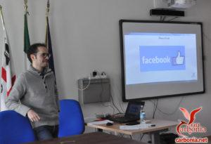 Una foto tratta dal Network Lab durante la spiegazione di Facebook.