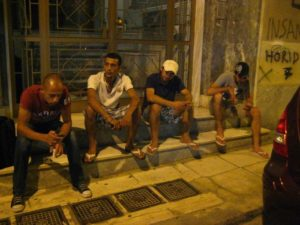 Xenos, foto di Abu e gli altri rifugiati protagonisti del cortometraggio