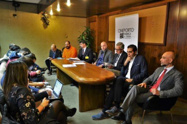 Foto della Conferenza Stampa per il Cineporto con tutti i partecipanti.